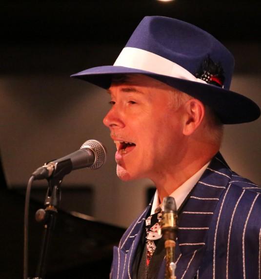 Kit Packham at the White Hart, Brasted, 15th December