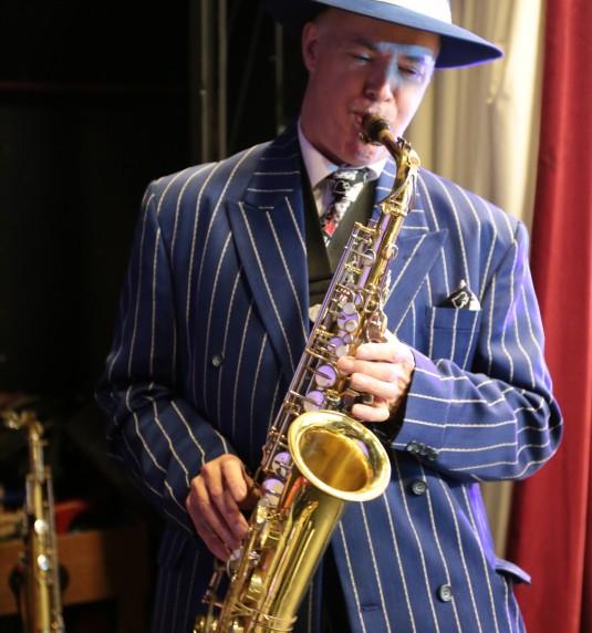 Kit Packham at the White Hart, Brasted, 29th December